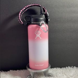 New 32 oz Hydro Flask with flex lid & paracord